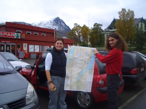 Niki and Alberto... our supposed hiking route...