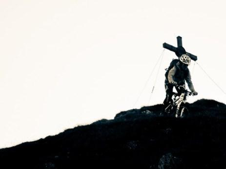 Abfahrt vom Gipfelkreuz...