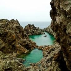 diese Grotte wird in Erinnerung bleiben... bei strömenden Regen bin ich da reingesprungen!