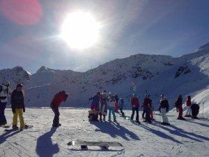 Santa Claus unterwegs im Skigebiet...