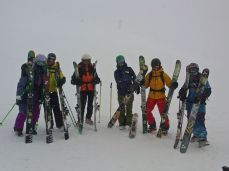 die Harten unter der Sonne: Mel, Bergführer Fritz, Klara, Steph, Burki, Dani