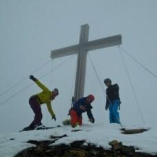 Am Gipfel der Serles - Mel, Steph, Basti