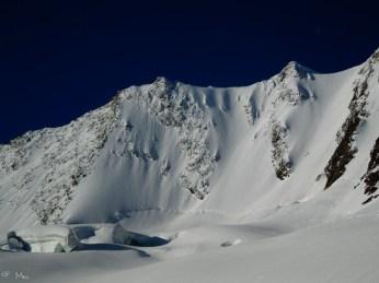 ganz rechts die Hochfeiler Nordwand