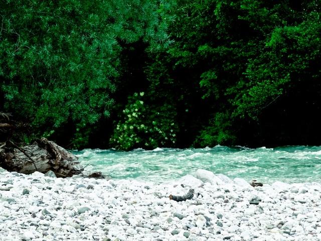 Die Soca - wohl der schönste Fluss den ich je gesehen habe! Smaraggrünes Wasser - wunderschön!